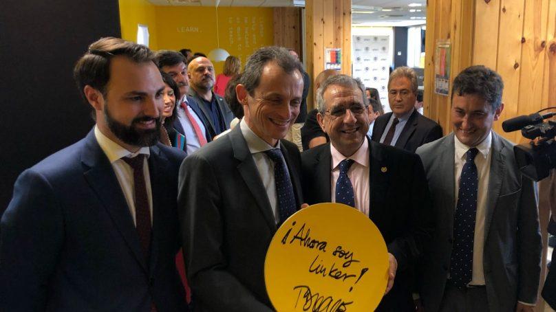 Pedro Duque elige la UMA como segunda parada en su recorrido por las universidades españolas