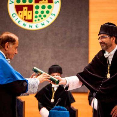 Antonio Pascual, investido Doctor Honoris Causa por la Universidad de Jaén