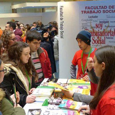 Jóvenes jiennenses se acercan a la vida universitaria en los 'Encuentros UJA'