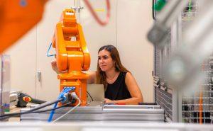 La Cátedra de Industria Conectada de Comillas ICAI, consciente de la creciente importancia del proceso de digitalización dentro de las compañías, ha organizado una nueva jornada abierta al público, con el título Agenda digital,