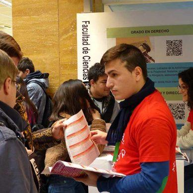 Estudiantes de la provincia despiertan su vocación universitaria en los Encuentros UJA
