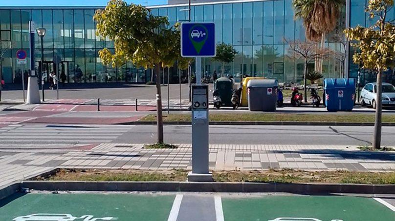 La UMA instala nuevos puntos de recarga para vehículos eléctricos