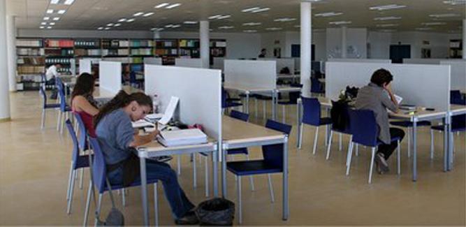 Consulta los horarios de bibliotecas y salas de estudio en la UCA
