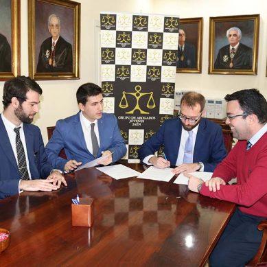 La Asociación de Estudiantes de Derecho de la UJA firma un convenio con el Grupo de Abogados Jóvenes de Jaén
