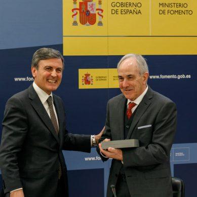 El catedrático de la UGR Miguel Ángel Losada recibe el Premio Nacional de Ingeniería Civil del Ministerio de Fomento