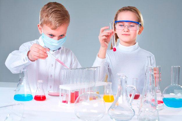 La Ciencia llega a los colegios e institutos de Córdoba de la mano de 8 equipos científicos