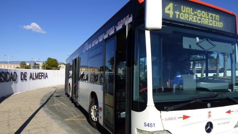 Surbus mejora su 'conexión' con la UAL con WiFi en las líneas universitarias