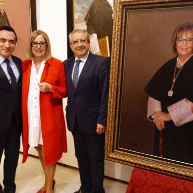 Adelaida de la Calle se une a la galería de rectores de la Universidad de Málaga