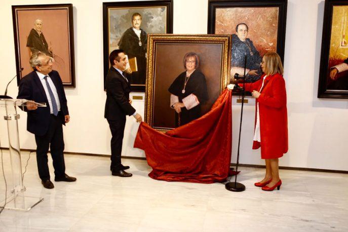 La Sala de Rectores de la UMA cuenta con un nuevo retrato que dejará la imagen de Adelaida de la Calle marcada en la historia.