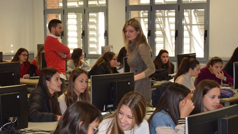La llamada de la Informática congrega a medio millar de alumnas en la UAL