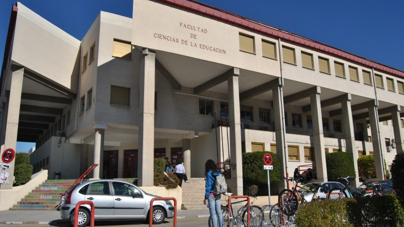 Un grupo de estudiantes denuncian a un profesor de la UGR por acoso