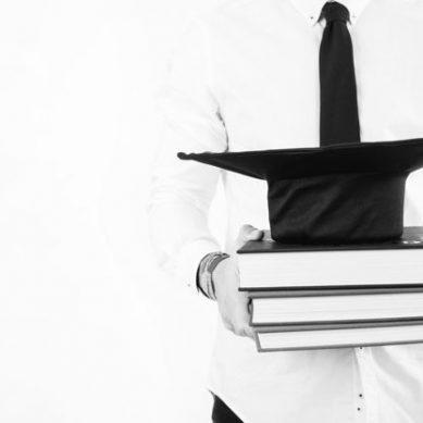 Cinco becas para realizar tu tesis doctoral