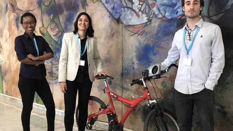 Diseñan un dispositivo que captura la energía eólica generada cuando vas en bicicleta