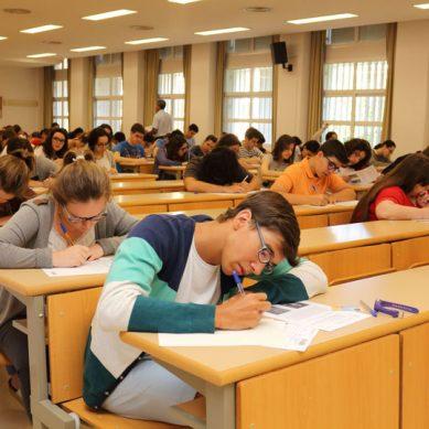 Los precios de las matrículas universitarias continuarán congelados