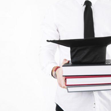 La UNED concede once becas para realizar tesis doctorales