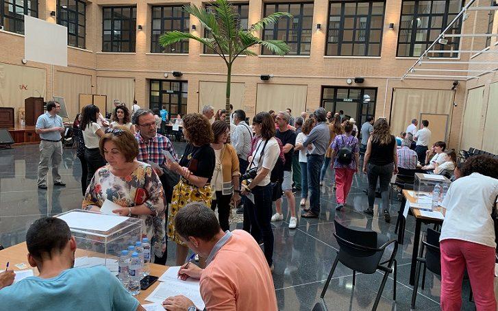 Alta participación en la primera mitad de las elecciones a rector de la UAL