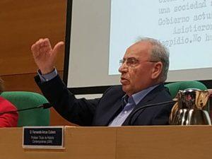 Alfonso Guerra pone el broche final al 'Ciclo Historia, Documentos y Sociedad. 1968 y la transición española' en la Universidad de Málaga.