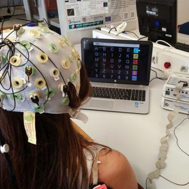 Un sistema cerebro-máquina mejora la comunicación de pacientes con ELA