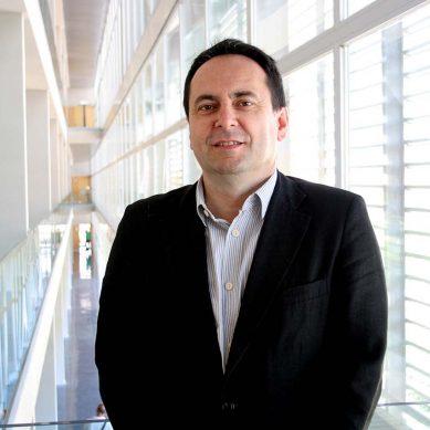 """Juan García: """"Realizar un máster, a veces, es una exigencia de la regulación profesional"""""""