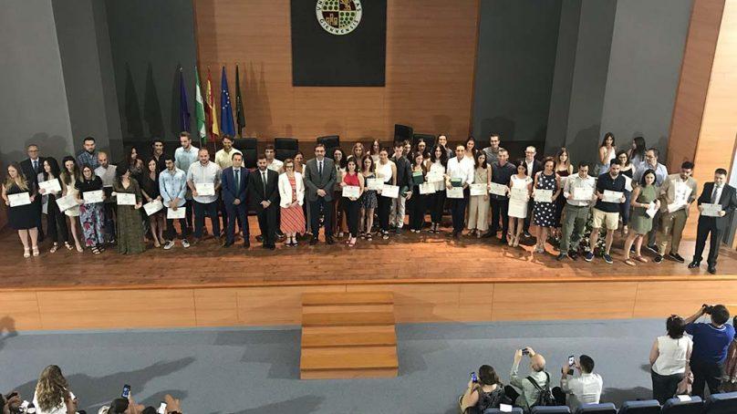 Reconocimiento a los estudiantes responsables de los mejores TFM en la UJA