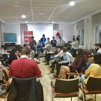 Los representantes de estudiantes reclaman la convocatoria de las subvenciones