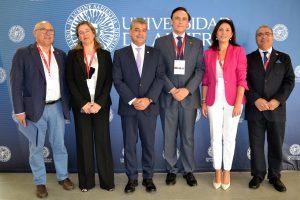 Responsables de la jornada sobre el futuro de las universidades españolas.