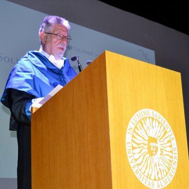 Manuel García Velarde es investido Doctor Honoris Causa de la UAL