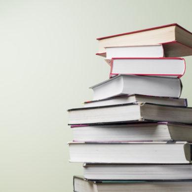 La UGR convoca los premios para la adquisición de libros