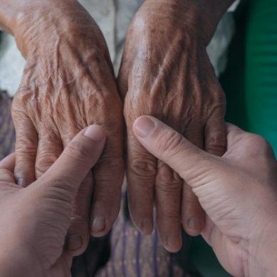 Vivir con personas mayores, una opción en la UGR