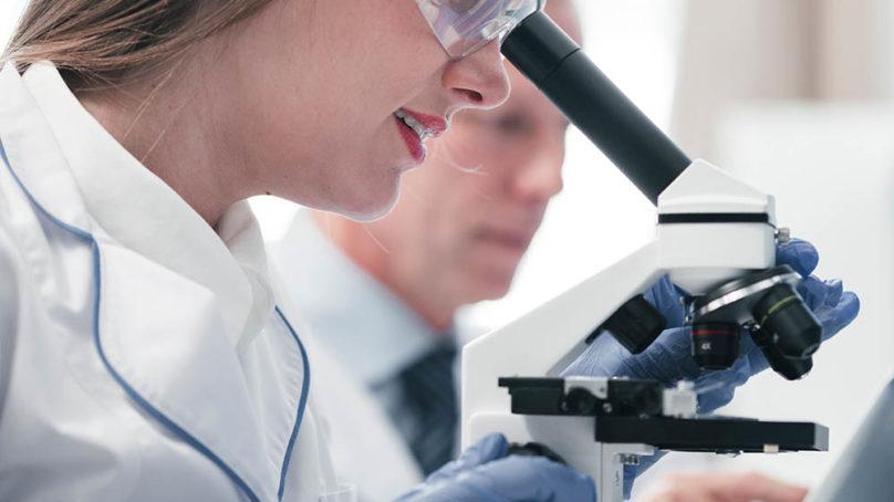 Seis millones de euros para potenciar la investigación biomédica en Andalucía