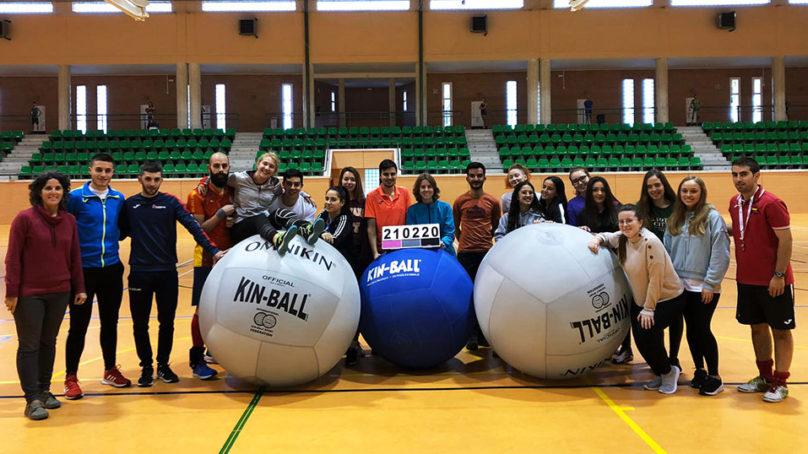 Kin-Ball: un deporte para educar en igualdad, respeto y trabajo en equipo