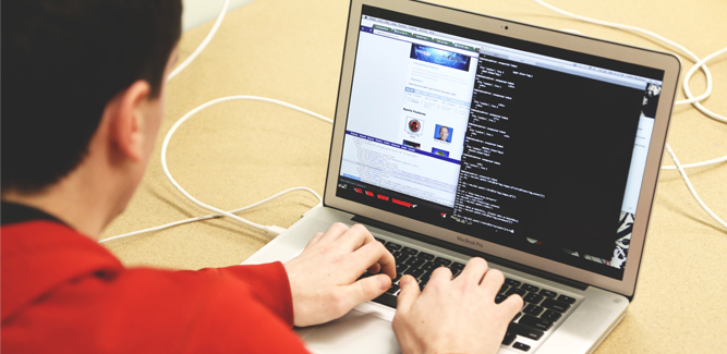 Los estudiantes se posicionan contra la grabación online durante los exámenes