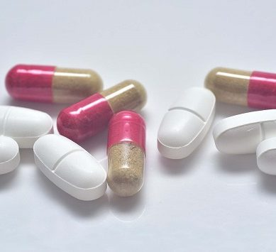 La UAL trabaja en reducir el tiempo de desarrollo de nuevos fármacos