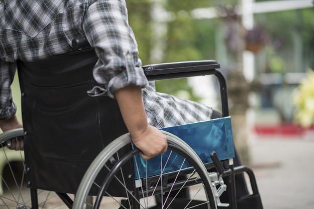 La UMA y el Ayuntamiento de Málaga acuerdan promover las prácticas entre estudiante con discapacidad