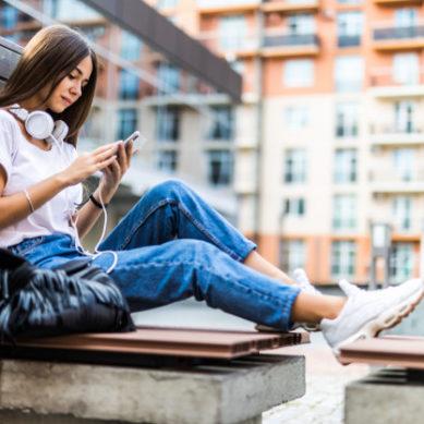 ¿Cómo predecir la ciberviolencia en parejas adolescentes?