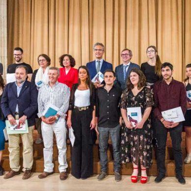 Entrega de premios a la Creación Artística para Estudiantes Universitarios