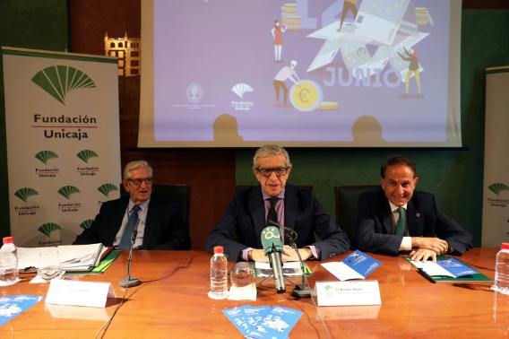 El paro y la sostenibilidad a debate en las Jornadas sobre Retos de la Economía de la Fundación Unicaja