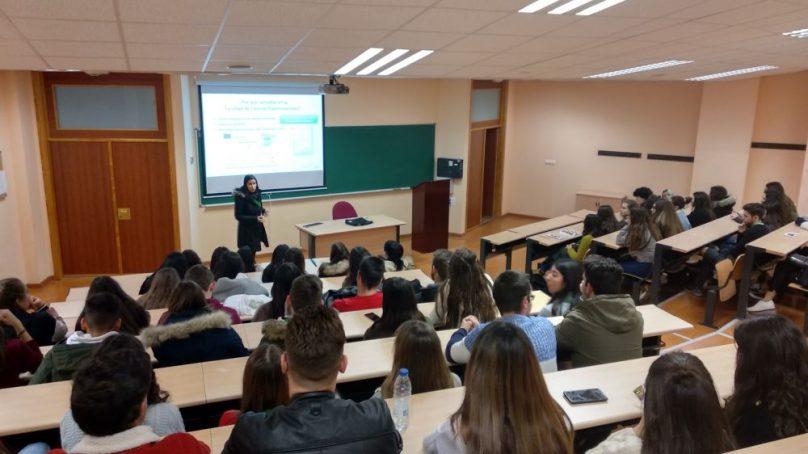 Formando a futuros universitarios en los Encuentros UJA