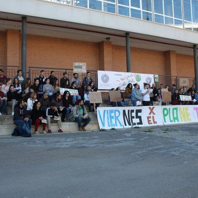Estudiantes de la UAL se movilizan contra el cambio climático