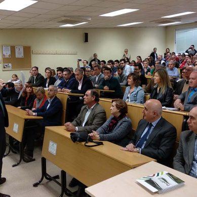 Juan Gómez presenta un modelo de universidad arraigado en el entorno social y productivo de la provincia para las elecciones a rector