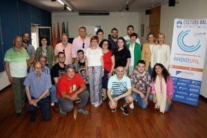 Foto de familia tras la presentación de la nueva web de RadioUAL.