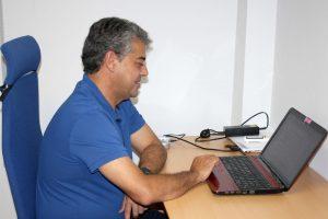 El rector, Carmelo Rodríguez, se ha sumado al programa Healthy UAL.