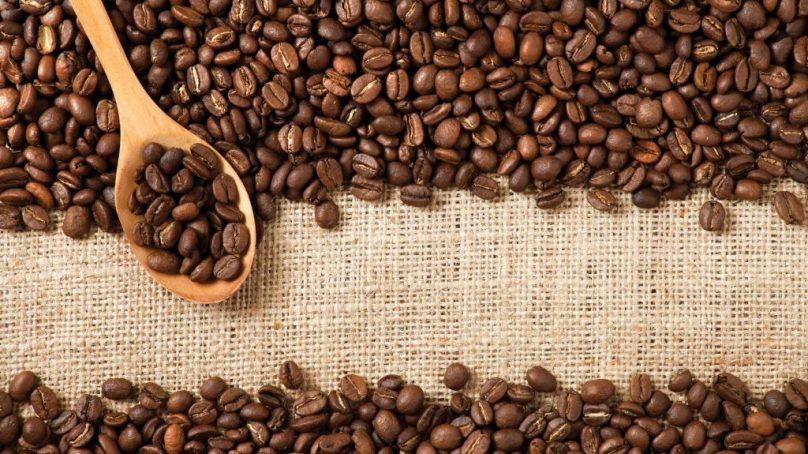 El café ayuda a un menor riesgo de caídas en adultos mayores