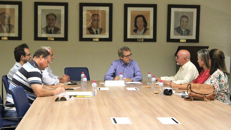 Intercambio de opiniones entre los Defensores Universitarios andaluces en la UJA
