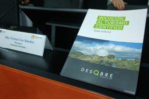 La Universidad de Málaga y la Fundación Descubren presenta la primera guía de Iniciación al turismo científico, destinada a potenciar la ciencia en el sector turístico.