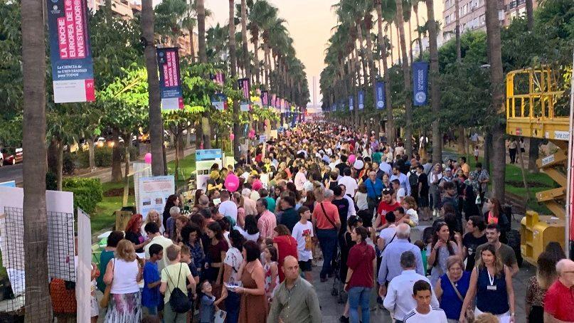 Almería conquista de nuevo la VIII Noche Europea de los Investigadores