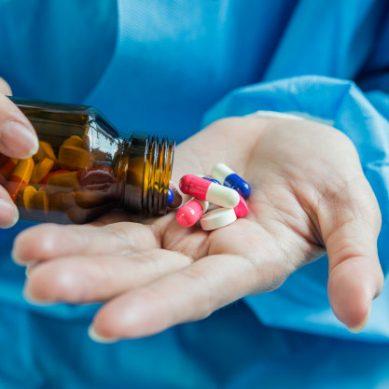 ¿Cómo influye la personalidad en el consumo de sustancias en jóvenes?
