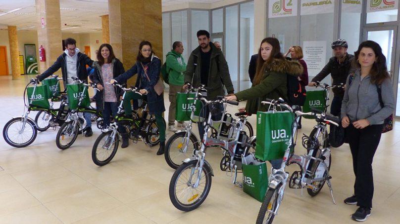 25 bicicletas para pedalear hacia la movilidad sostenible en la UJA