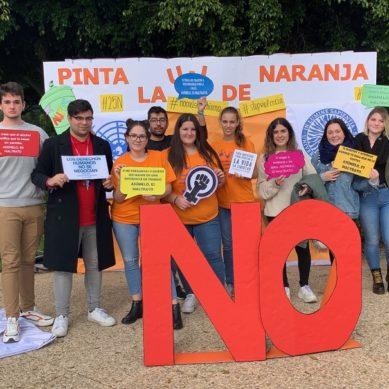 La Universidad dice NO a la violencia con la campaña 'Pinta la UAL de naranja'