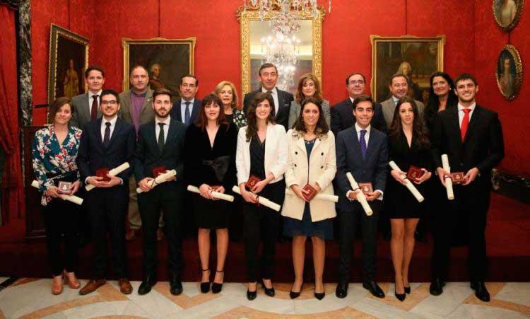 La Real Maestranza de Caballería entrega los premios a los mejores expedientes universitarios de la UPO